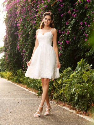 A-Line/Princess Spaghetti Straps Sleeveless Short Lace Wedding Dresses With Applique