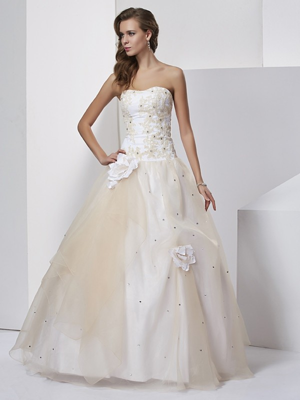 Ball Gown Hand-Made Flower Sweetheart Sleeveless Long Tulle Quinceanera Dresses