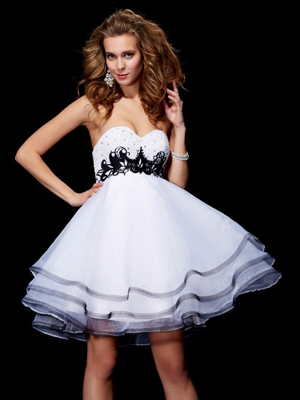 Sweetheart A-Line/Princess Sleeveless With Beading Applique Organza Short/Mini Dresses