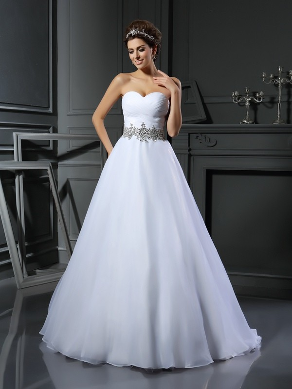 Ball Gown Sweetheart Sleeveless Long Satin Wedding Dresses With Beading