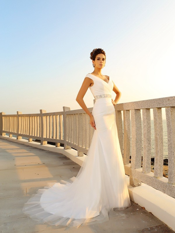 Sheath/Column V-neck Sleeveless Long Net Beach Wedding Dresses With Pleats