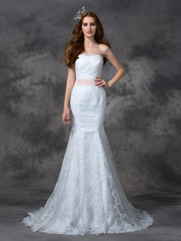 Strapless Trumpet/Mermaid Sash/Ribbon/Belt Sleeveless Long Lace Wedding Dresses