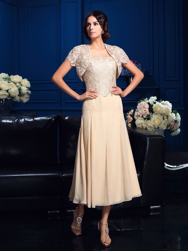 A-Line/Princess Square Sleeveless Short Chiffon Mother of the Bride Dresses With Applique