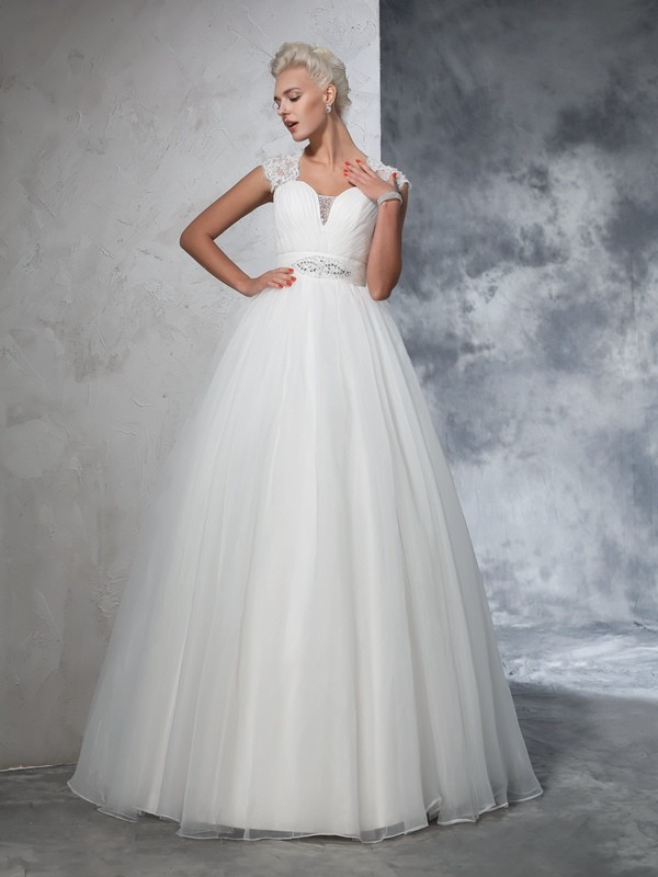 Ball Gown Sweetheart Sleeveless Long Tulle Wedding Dresses With Ruched