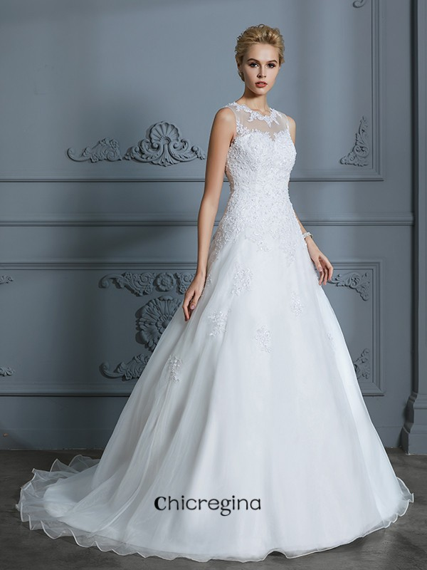 Shining Ball Gown Scoop Sleeveless Tulle Court Train Wedding Dresses With Applique