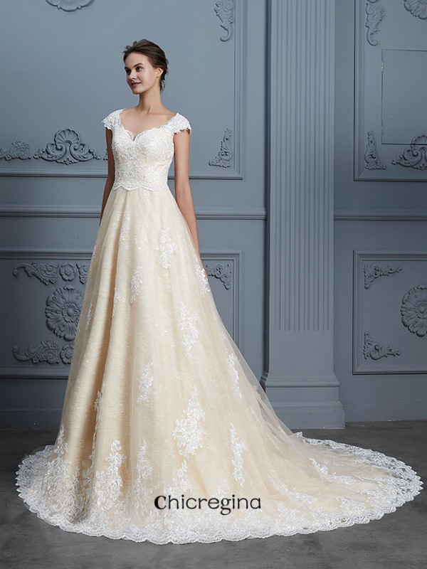 Court Train Ball Gown Sweetheart Sleeveless Lace Wedding Dresses With Beading