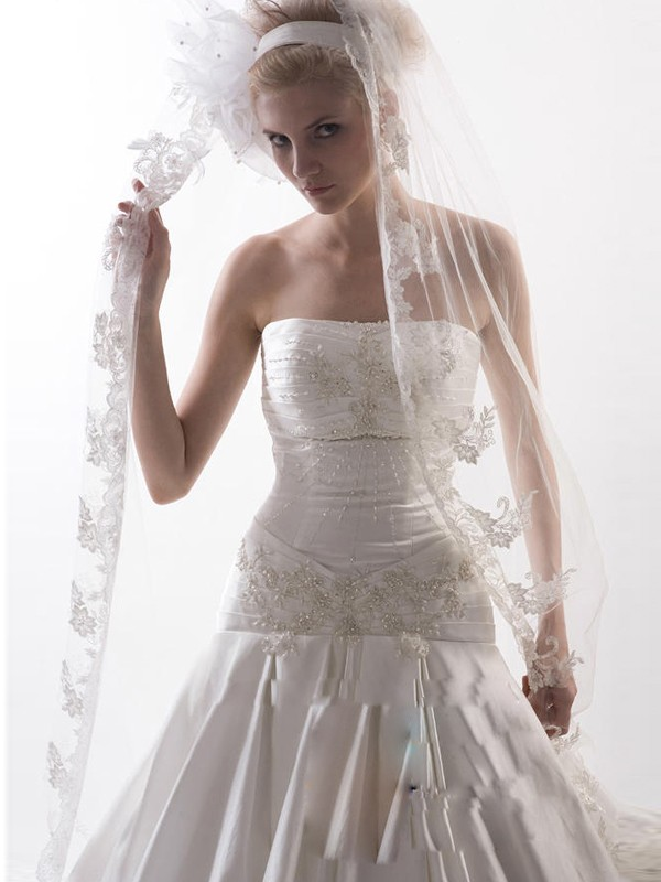 Romantic Flower Tulle Wedding Veils