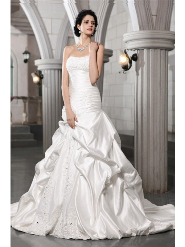 A-Line Sleeveless Strapless With Beading Applique Hand-Made Flower Satin Long Wedding Dresses