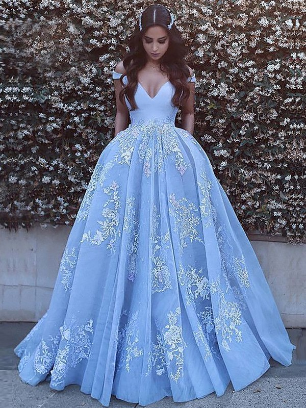 Stunning Ball Gown Sleeveless Off-the-Shoulder Sweep/Brush Train Tulle Dresses With Applique