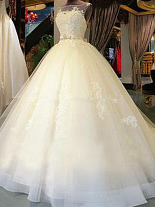 Elegant Ball Gown Sleeveless Scoop Cathedral Train Tulle Wedding Dresses