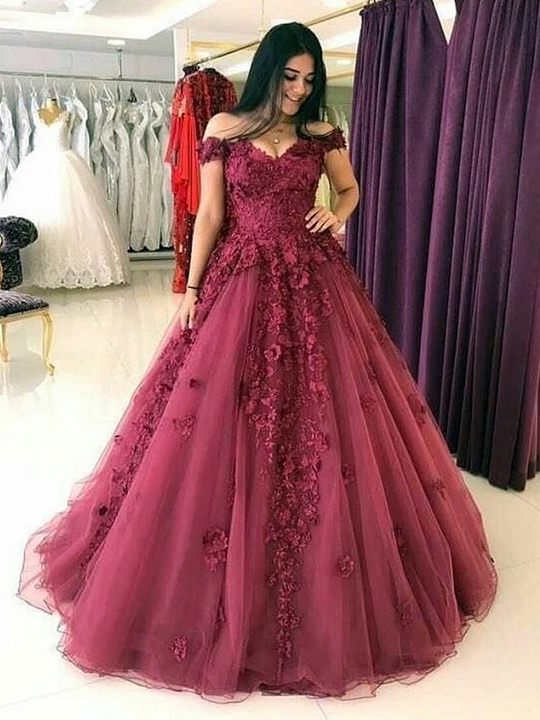 Ball Gown Off-the-Shoulder Sleeveless Sweep/Brush Train Tulle Dresses