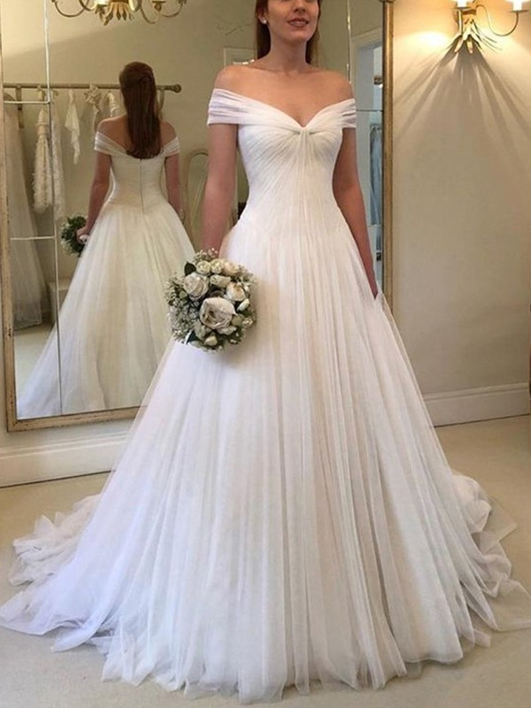 A-Line/Princess Off-the-Shoulder Sweep/Brush Train Sleeveless Tulle Wedding Dresses