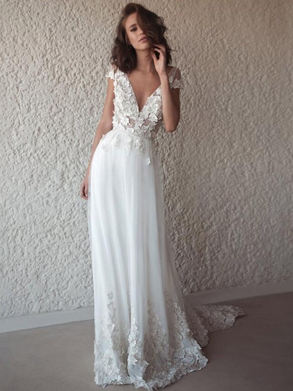 A-Line/Princess Tulle V-neck Sleeveless With Applique Sweep/Brush Train Wedding Dresses