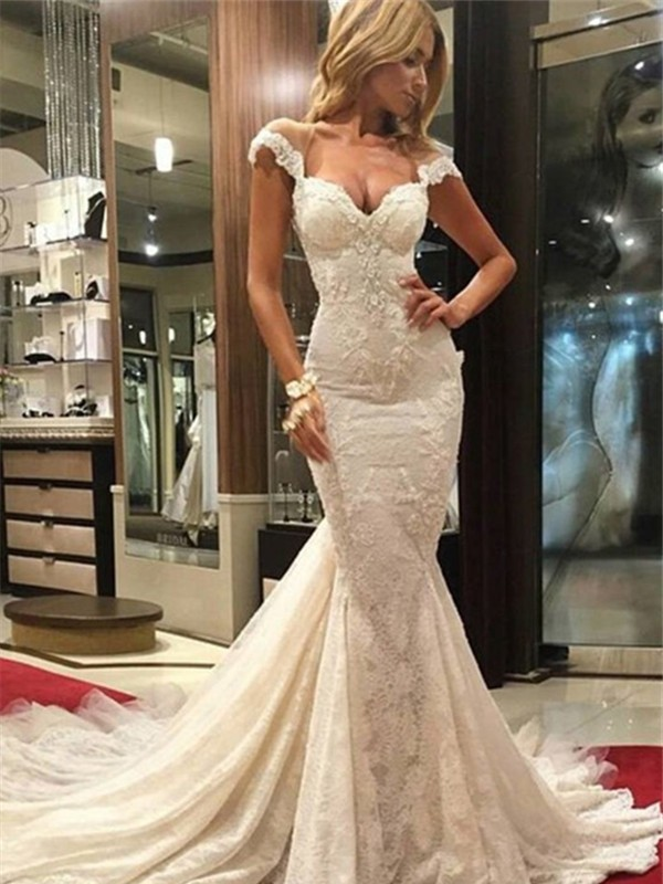 Trumpet/Mermaid V-neck Sleeveless Lace Chapel Train Wedding Dresses