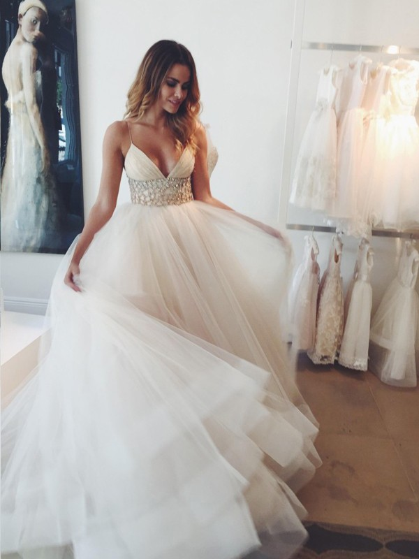 Romantic Court Train Ball Gown Spaghetti Straps Sleeveless Crystal Tulle Wedding Dresses