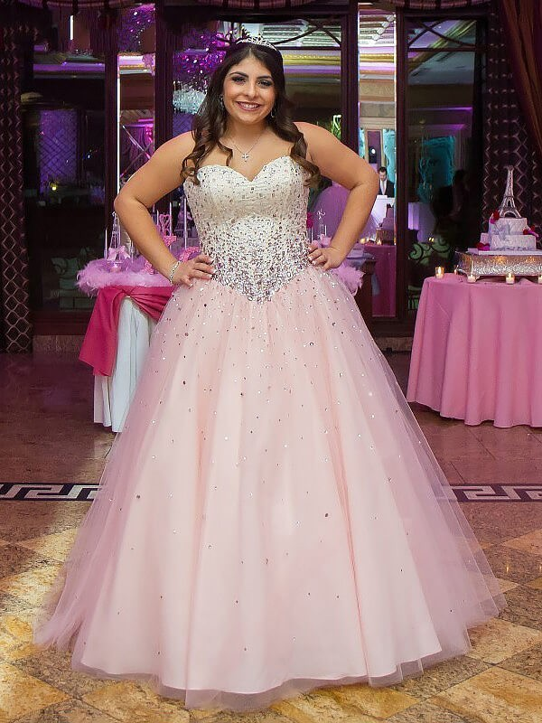 Floor-Length Ball Gown Sleeveless Sweetheart Tulle Plus Size Dresses With Beading