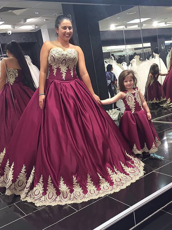 Floor-Length Ball Gown Sweetheart Satin Sleeveless Plus Size Dresses With Applique
