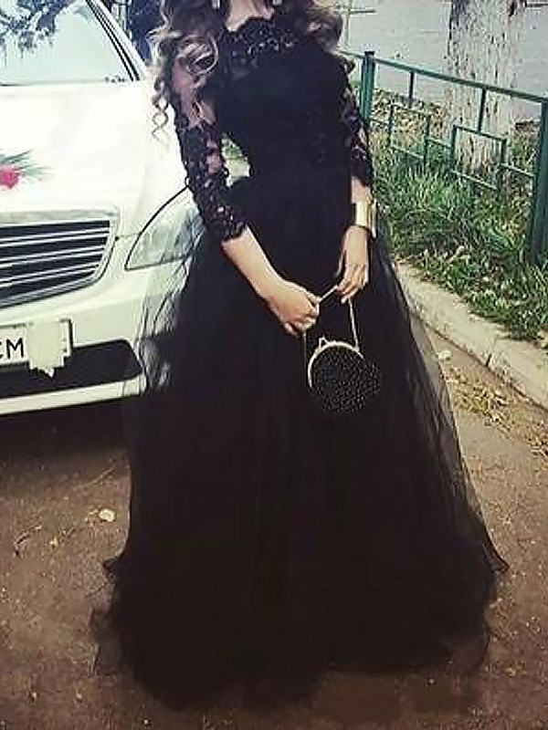 Unique Floor-Length Ball Gown 3/4 Sleeves Tulle Bateau Lace Dresses