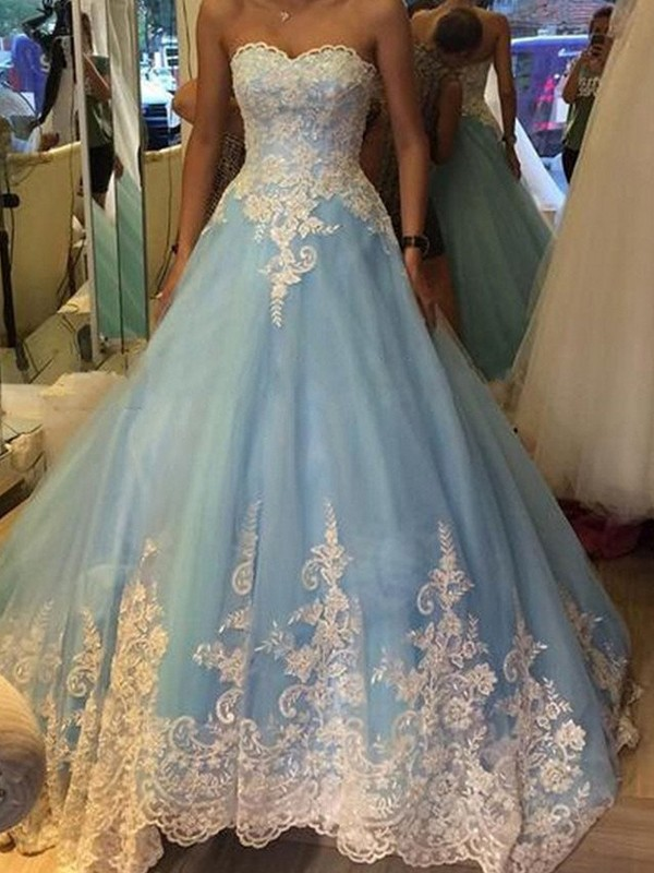 Ball Gown Sweetheart Sweep/Brush Train Sleeveless With Applique Tulle Dresses