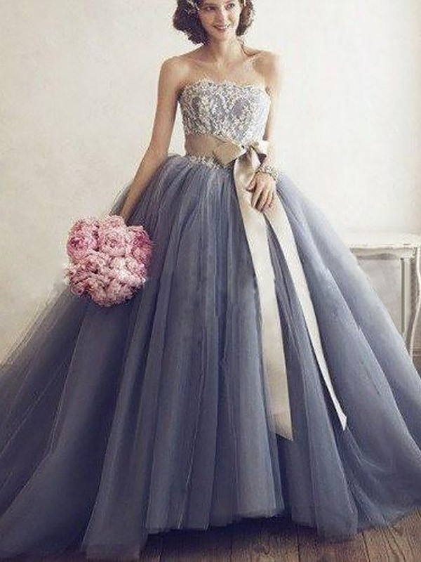 Sweep Train Ball Gown Sweetheart Sleeveless Tulle Dresses With Applique