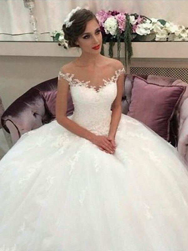Attractive Ball Gown Sleeveless Off-the-Shoulder Court Train Tulle Wedding Dresses